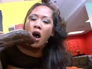 Asian bitch Jessica Bangkok loves to get big dongs deep into her throat. This