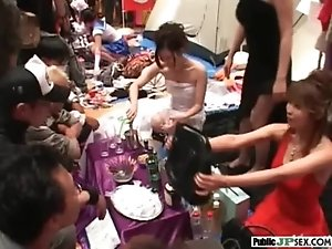 Hot Asian Sexy Get Hard Cock In Public vid-02
