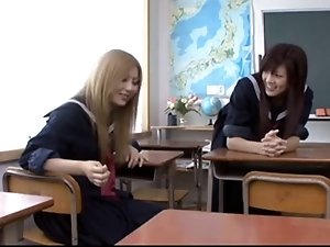 Japanese Schoolgirl Seduces Shy Mom2...F70