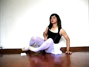 Asian trap in ballerina outfit jaerks and cums