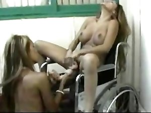 2 HOT LESBIANS TOYING WITH DILDOS www.asian-videosx.com Pussy Licking