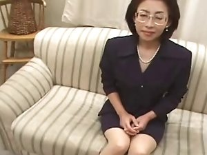 53yr old Makiko Miyashita Loves Young Cock (Uncensored)