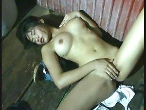 Thai girl masturbation
